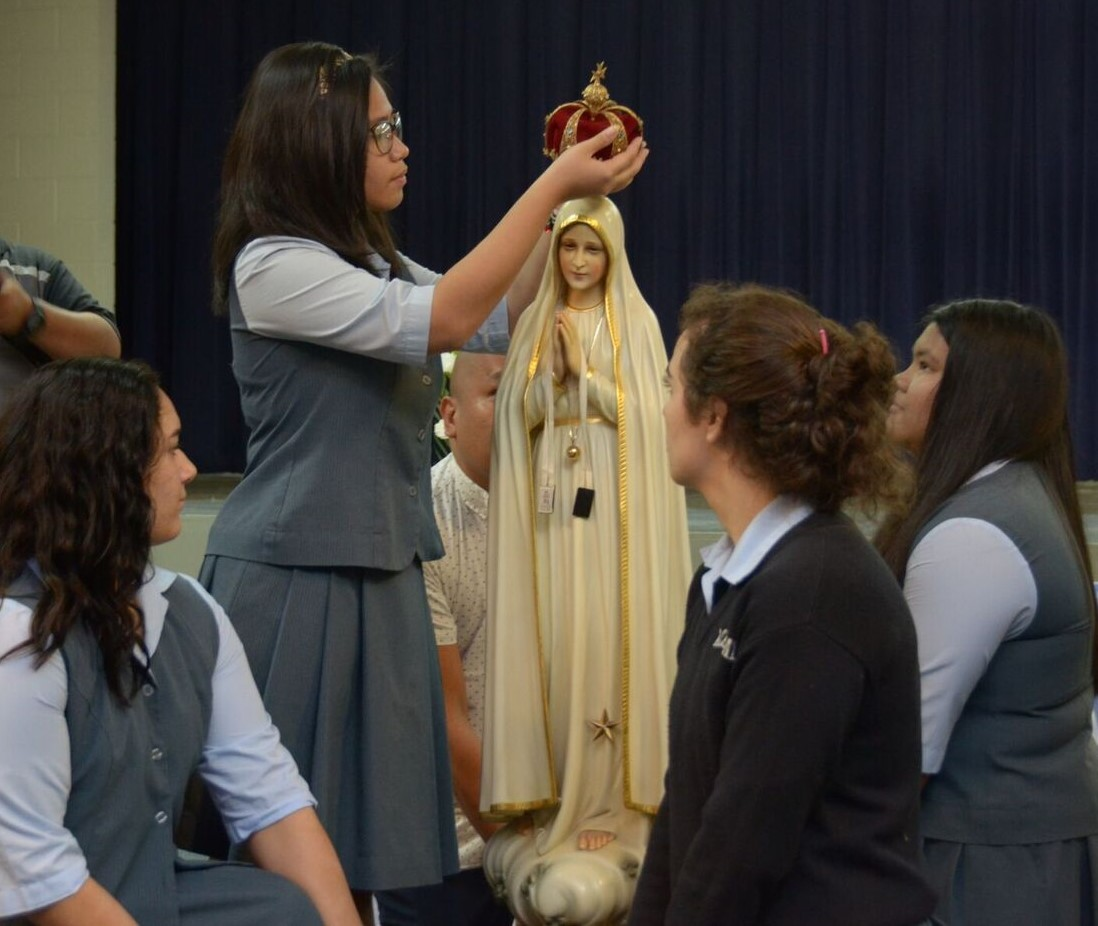 Crowning of Fatima