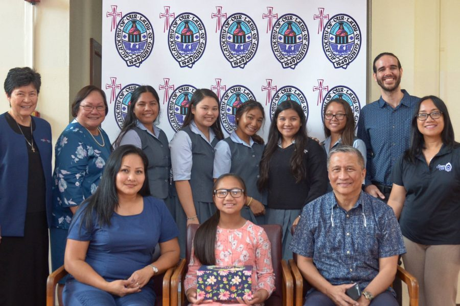 AOLG Students Present Letters of Hope to Taylor Cruz